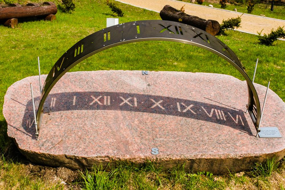 Słoneczny zegar równikowy